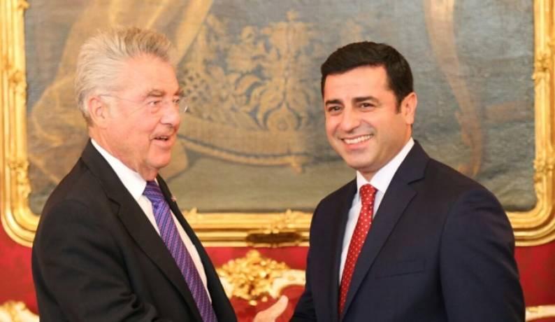 Photo of Demirtaş, Avusturya Cumhurbaşkanı ile görüştü