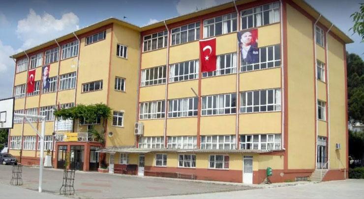Photo of Kürtçe müzik dinlediler, terörist ilan edildiler!