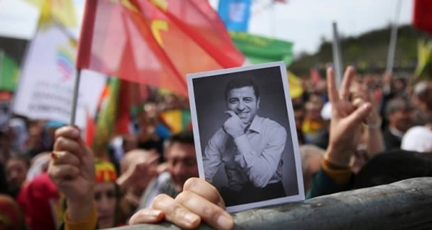 Photo of Der Spiegel: 'Kürt Obama' hapishaneden seçimlere katılıyor